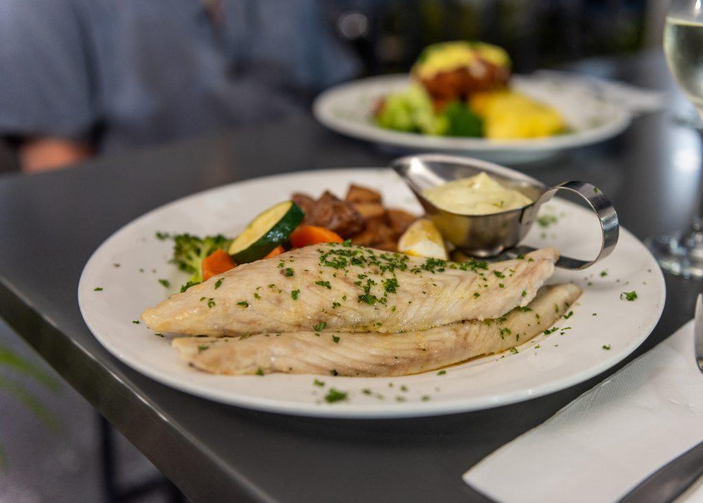fish pub meal