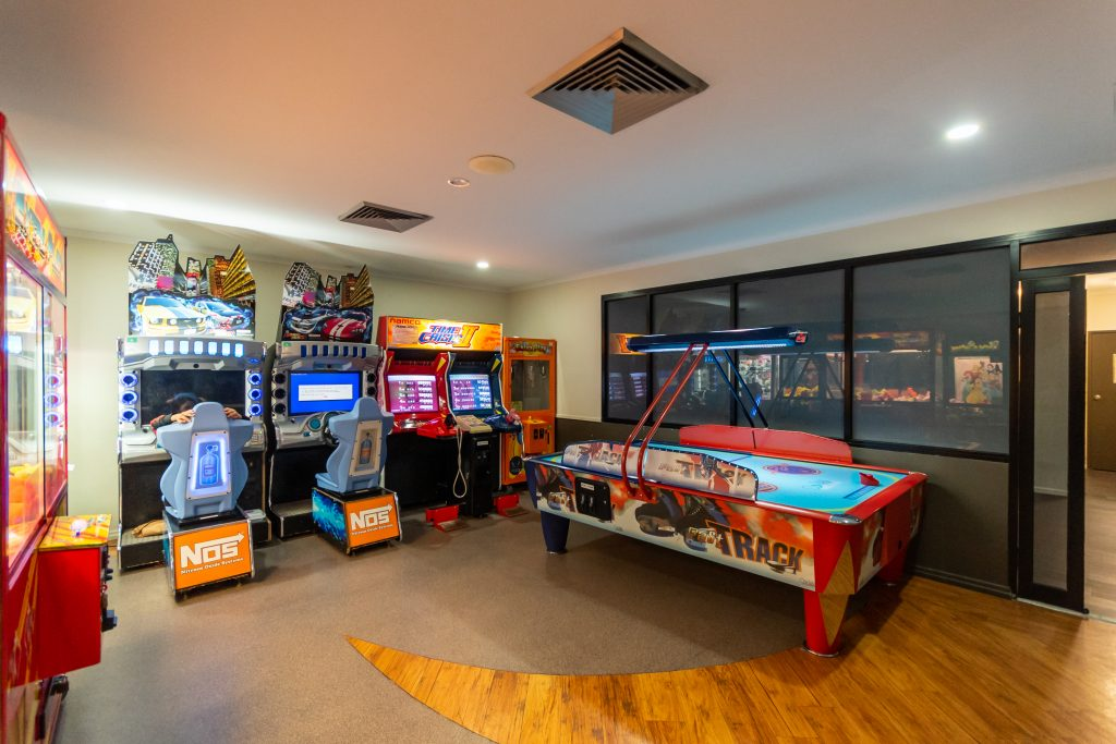 game rooms jubilee tavern
