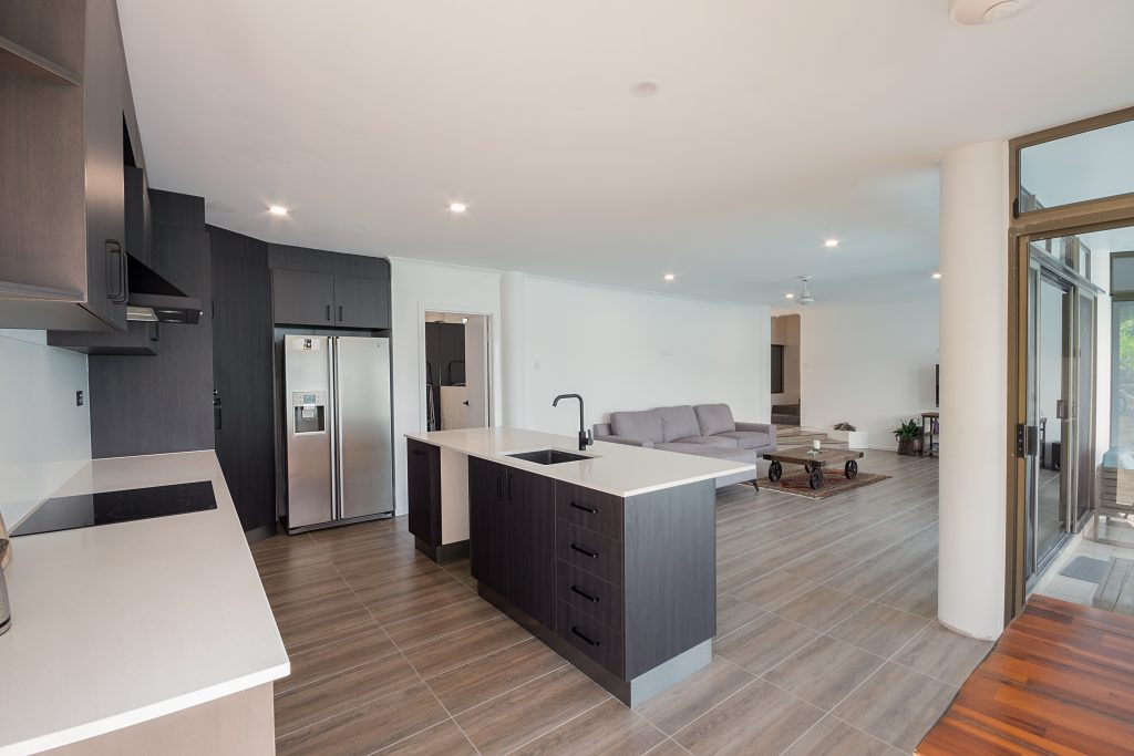 modern ktichen and lounge