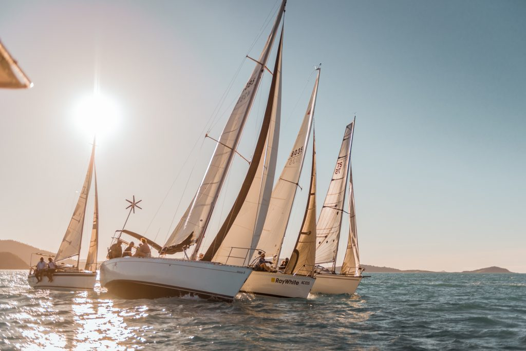 sailing yachts racing